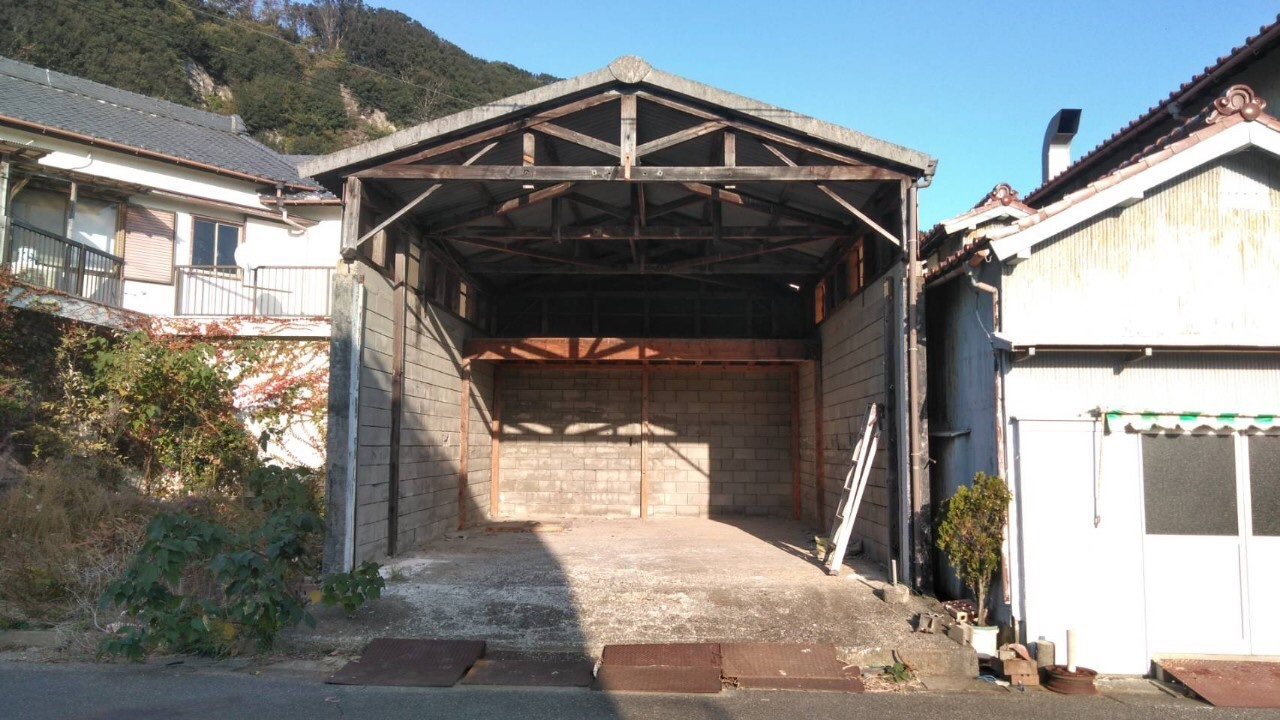 コンクリートブロック造倉庫解体工事・知多郡南知多町豊浜